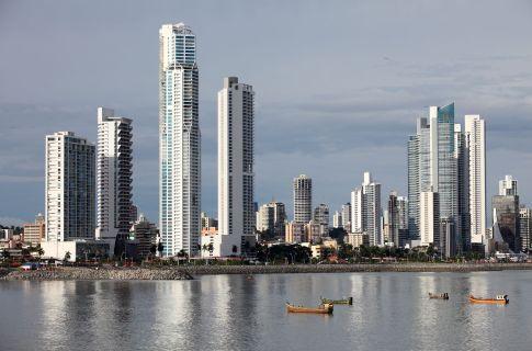 Argo Estrategia Skyline-of-Panama-City